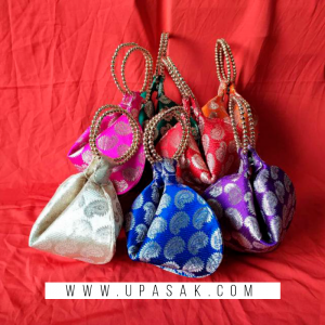 Leaf Print Samosa Shape Potli Bag